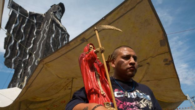 07-holy-death-statue-714