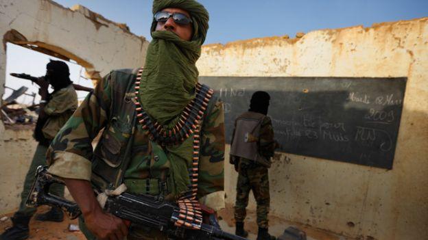 03-tuareg-fighters-670