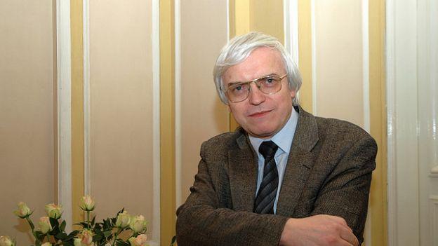 Odkryć przyszłość: rozmowa z prof. Markiem Niezgódką