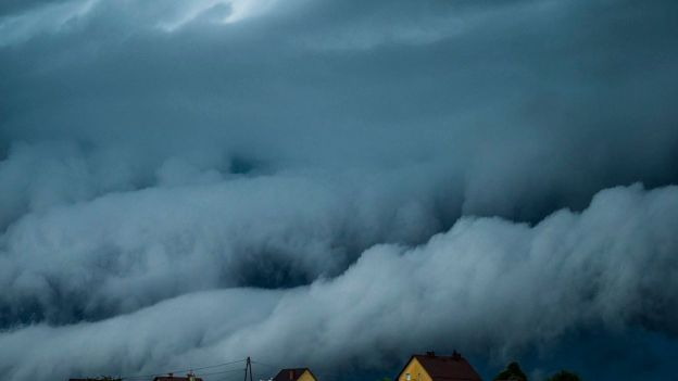 Te zdjęcia pokazują potęgę i piękno przyrody. Polski sezon burz w pełni [GALERIA]