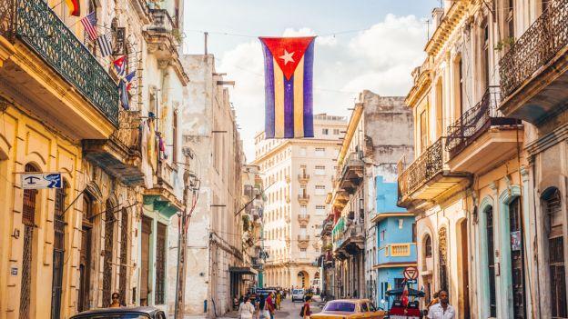 Czy wiesz, że Kuba ze względu na swój kształt nazywana jest długą zieloną jaszczurką?