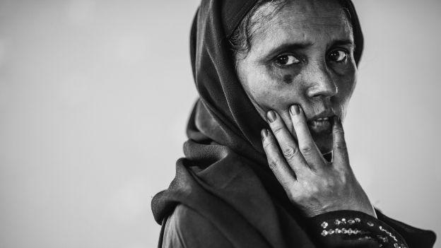 Dala Banu (44 l.). Od 21 lat w Bangladeszu, szóstka dzieci. Razem z mężem mieli gospodarstwo, pięć krów, trzy byki i stadko kóz.