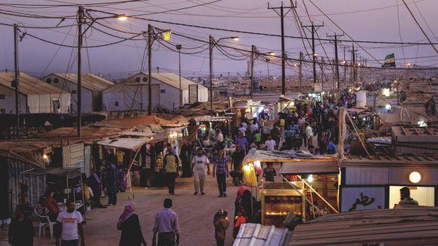 Fatamorgana Zaatari. Poruszający reportaż z obozu-miasta