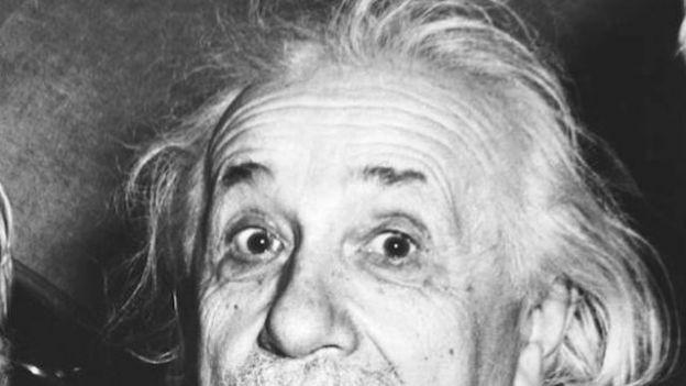 Nie uwierzysz jak powstało najsłynniejsze zdjęcie Einsteina. Przeczytaj historię