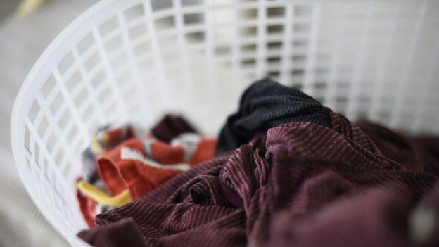 Jak często powinniśmy robić pranie? Wyjaśnia mikrobiolog