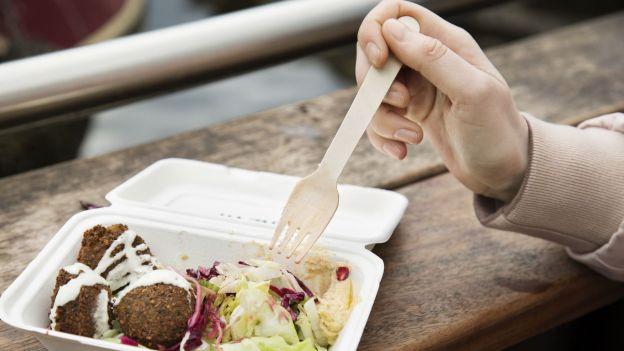 Jedzenie na mieście nam szkodzi. I nie chodzi tylko o fast foody