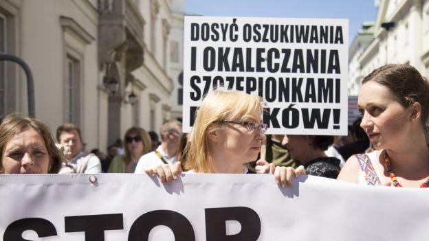 Demonstracja antyszczepionkowców w Warszawie.