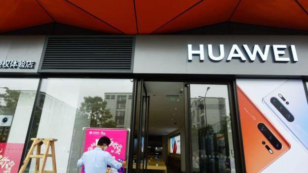 Google blokuje aktualizacje systemu dla urządzeń Huawei. To efekt wojny informatycznej USA-Chiny