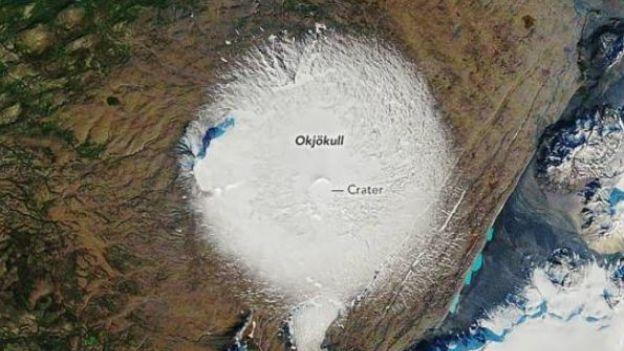 """Islandia zorganizowała pogrzeb lodowcowi. """"Zabiły go zmiany klimatu"""""""