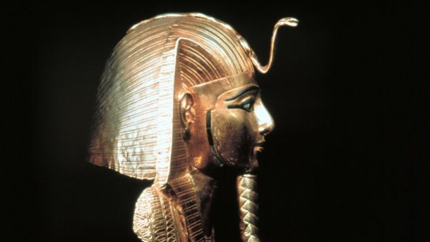 Maska Kleopatry fot. A.CROLLALANZA/Rex Features/EAST NEWS