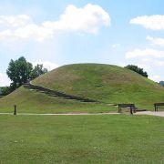 1200px-Criel_Mound