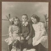 01. dzieci z psem