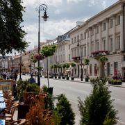 Ulica_Nowy_Świat,_Warszawa