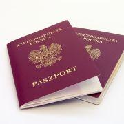 Paszporty w kolorze czerwonym