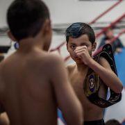 Kontrowersyjny świat dziecięcego MMA