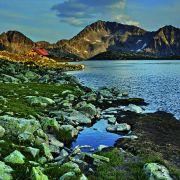 Szczyt Kamenica i jezioro Tewno w górach Pirin