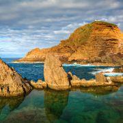 Na wyspie trzeba pływać!