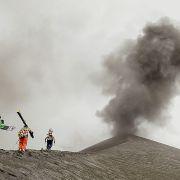 Sliding Fire: Zjechali na nartach i snowboardzie po zboczach czynnego wulkanu