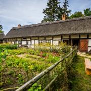Chata rybaka  w Muzeum Wsi Słowińskiej  w Klukach.