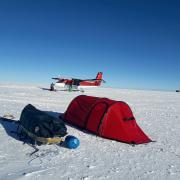Codziennie wstawała o szóstej rano i szykowała się do drogi. Ostatni raz rozbiła namiot na biegunie, gdzie już czekał na nią samolot.