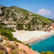 Jeden z albańskich cudów: plaża Gjipe.