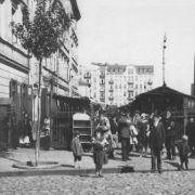 Wejście na Bazar Różyckiego od strony ul. Targowej w okresie I wojny światowej.