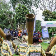 Zespół tanzańskich muzyków poraził nas swoją muzykalnością, rytmicznością i uporem z jakim uderzali w tubo-bębny.