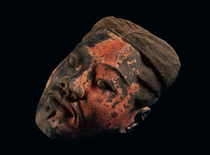 02-one-of-twelve-face-molds-670