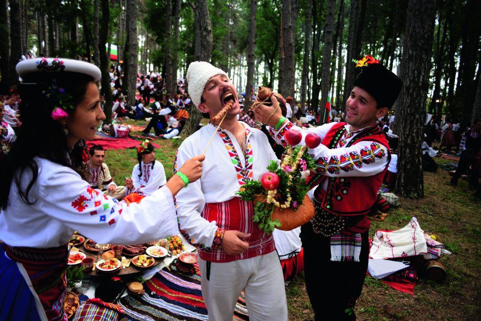 Bułgarzy uwielbiają narodowe tradycje i stroje