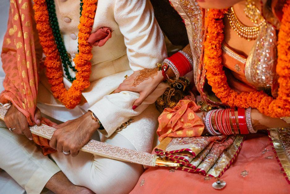 e7972be004c51a Indie 4240 2830. Zobacz galerię. W Indiach ważnym elementem tradycyjnego  damskiego stroju ...
