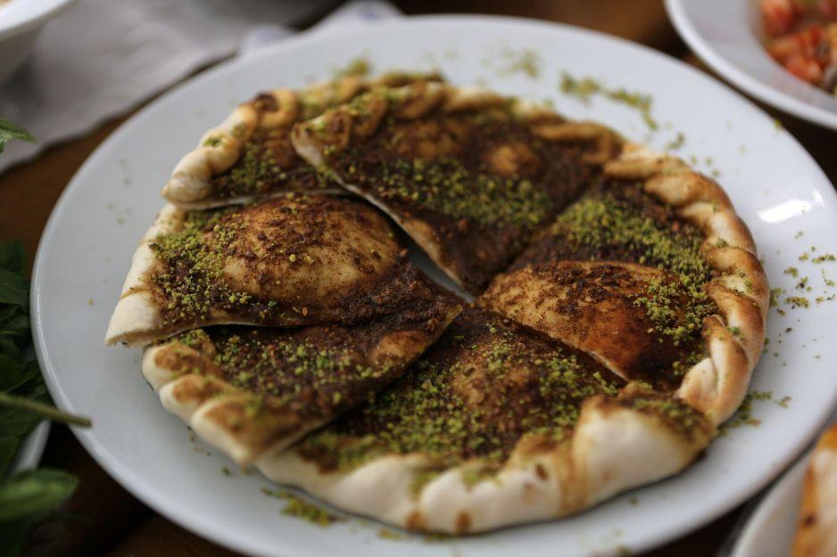 Poznaj Smak Tradycyjnej Jordańskiej Kuchni Przepisy