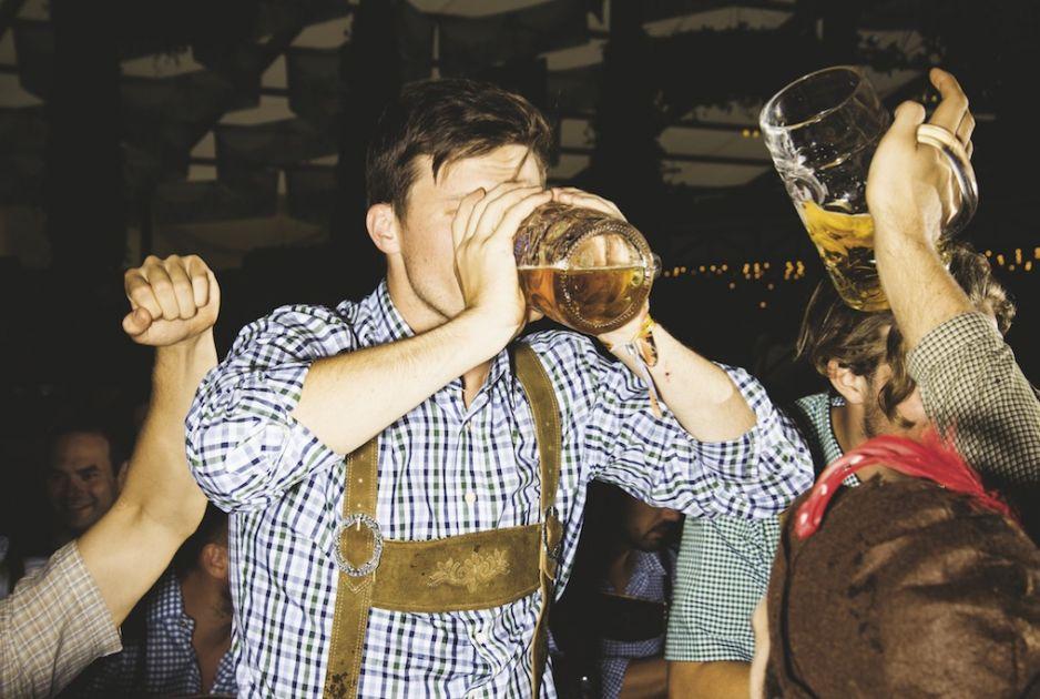 """Już od 9 tysięcy lat ludzkość zna """"magiczny napój"""". Bez niego trudno by było wyobrazić sobie naszą kulturę"""