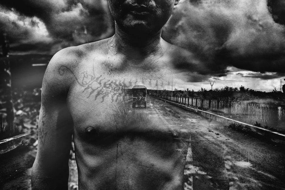 """""""Nigdy więcej"""" - niezwykły projekt dwojga fotografów: Marcina Zaborowskiego i Magdaleny Chodownik"""