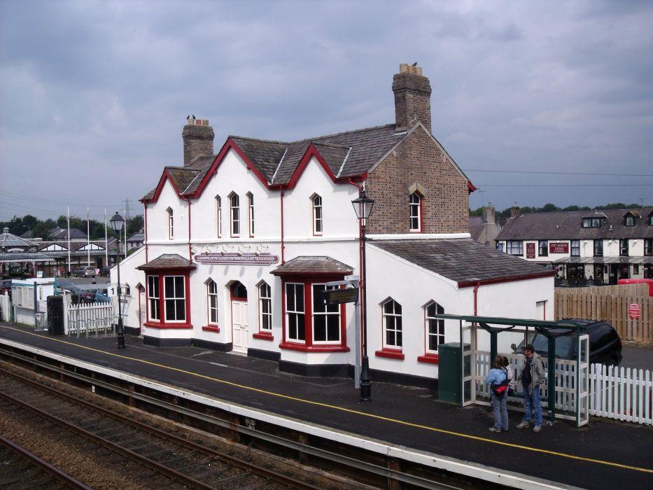 Stacja kolejowa w Llanfairpwllgwyngyllgogerychwyndrobwllllantisiliogogogoch