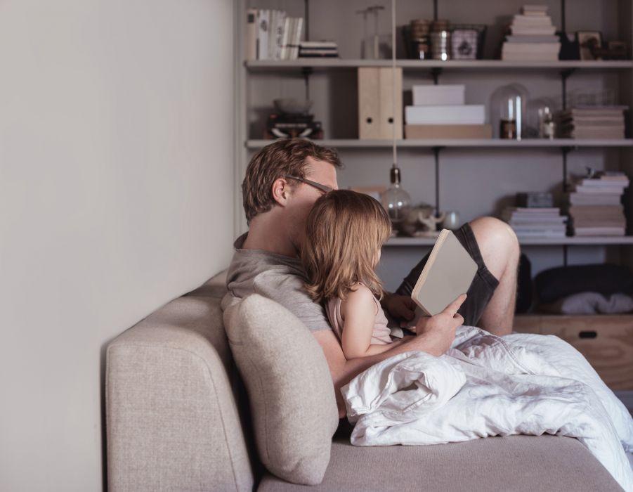 Tylko 1/3 rodziców czyta swoim dzieciom. Tracimy niepowtarzalną szansę na zbudowanie bliskości?