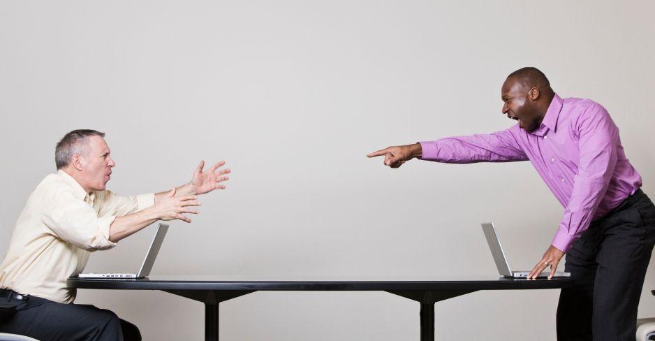 Zachowania mężczyzn w sieci stają się coraz bardziej ekstremalne (fot. Getty Images)
