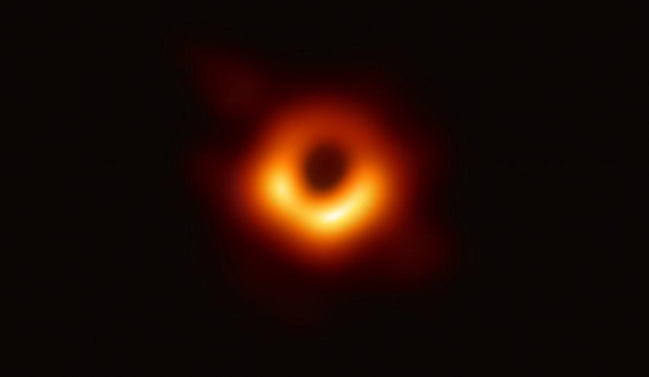 Czarna Dziura w galaktyce M87
