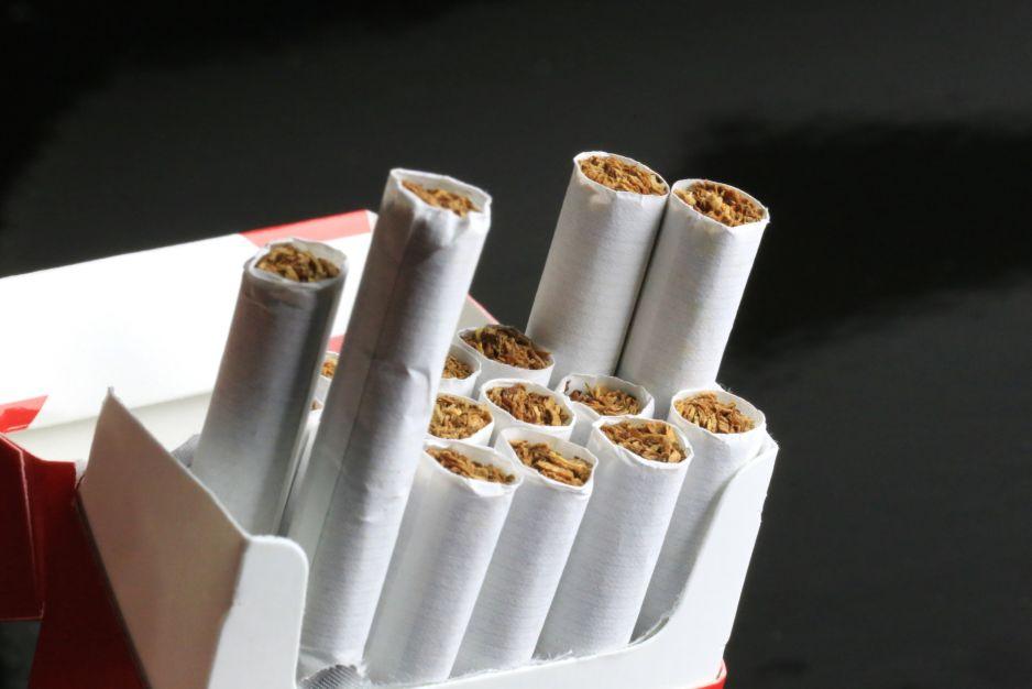 Każdy z nas wypala paczkę papierosów dziennie. Nawet jeśli jest niepalący