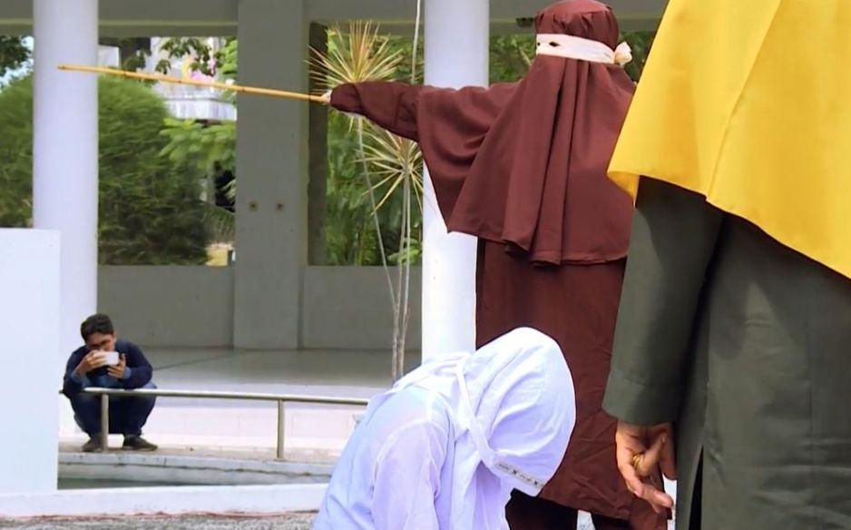 Pierwszy żeński oddział chłosty w Indonezji
