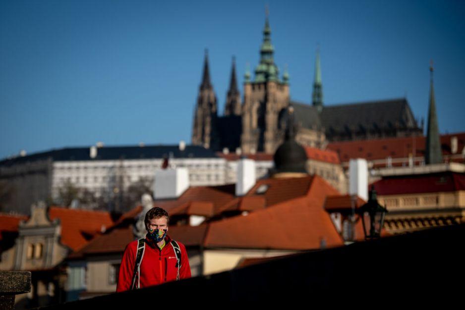 Czechy, koronawirus: Coraz mniej zakażeń, coraz mniejsze ograniczenia