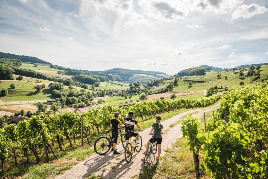 Rodzinna wyprawa na dwóch kółkach przez Szwajcarię to gwarancja niezapomnianych wrażeń (fot. Switzerland Tourism)