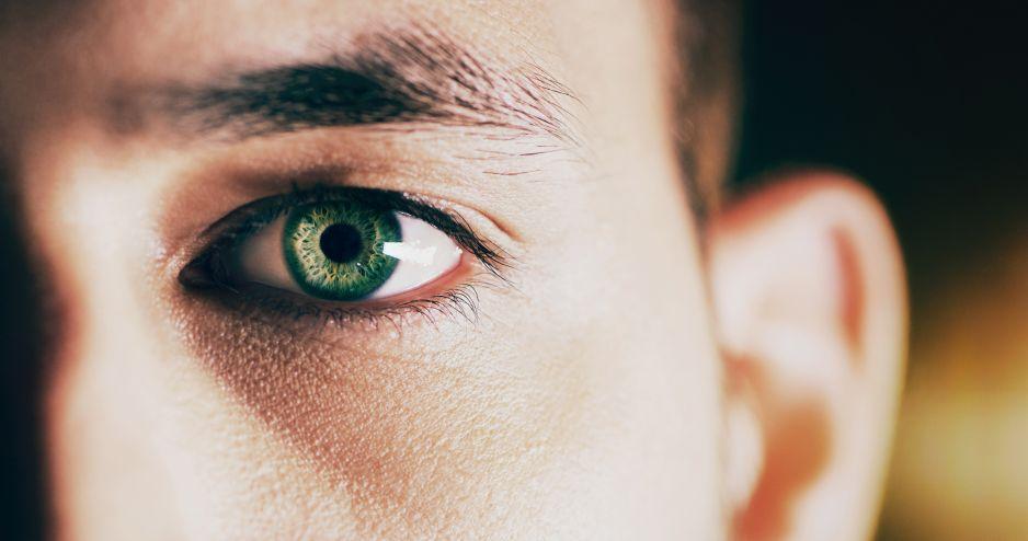 """Zespół suchego oka – dlaczego nasze oczy """"wysychają""""?"""