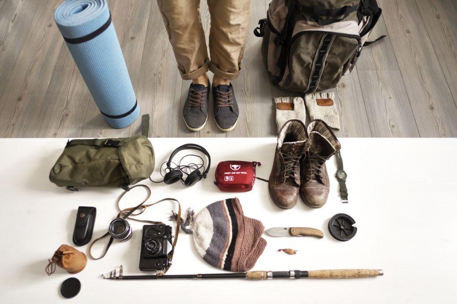 Gadżety dla podróżnika: co najbardziej przydaje się podczas podróży? (fot. Getty Images)