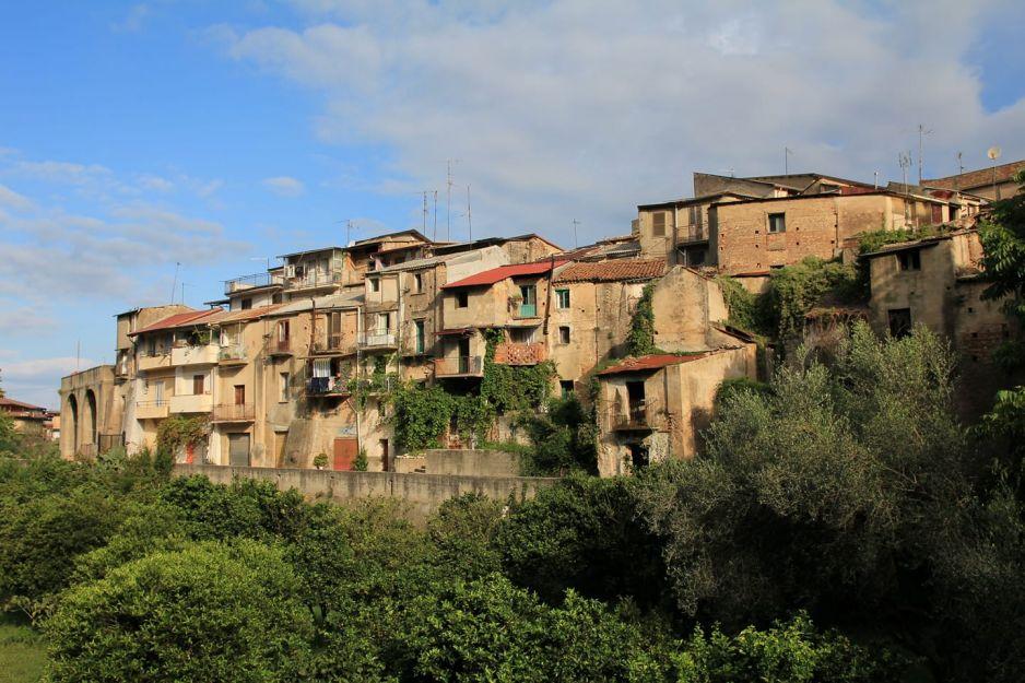 Widok na zabytkową część miasta (fot. Facebook/Amministrazione Comunale Cinquefrondi)
