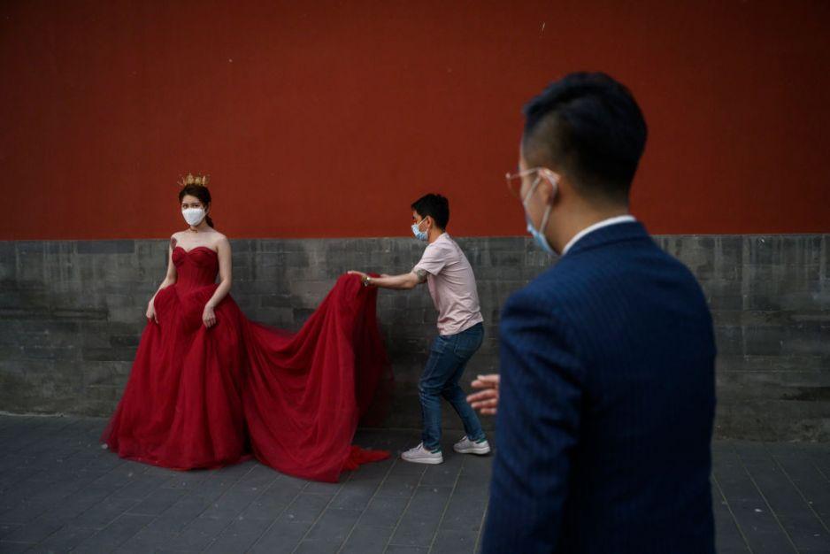 Narzeczeni będą mogli przed ślubem sprawdzić bazę sprawców przemocy domowej (fot. Getty Images)