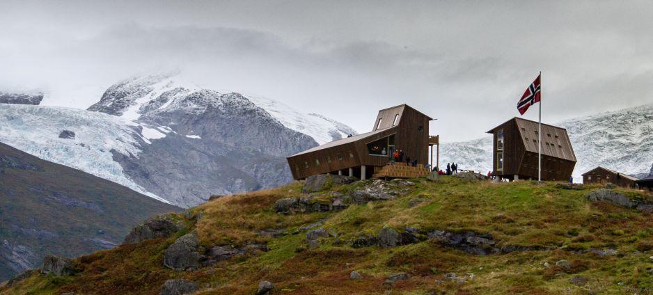 Nowe schronisko położone w malowniczej scenerii (Fot. Facebook/Tungestølen Turisthytte DNT)