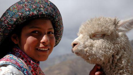 mujer-con-lama