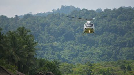 09-helicopter-arrival-714