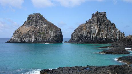 Trzy z pięciu najpiękniejszych plaż Brazylii znajdują się na maleńkiej wysepce na Atlantyku.