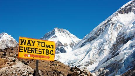 Więcej ludzi zdobyło Mount Everest jednego dnia w 2010 r. niż przez 30 lat po pierwszym wejściu w 1953 r.